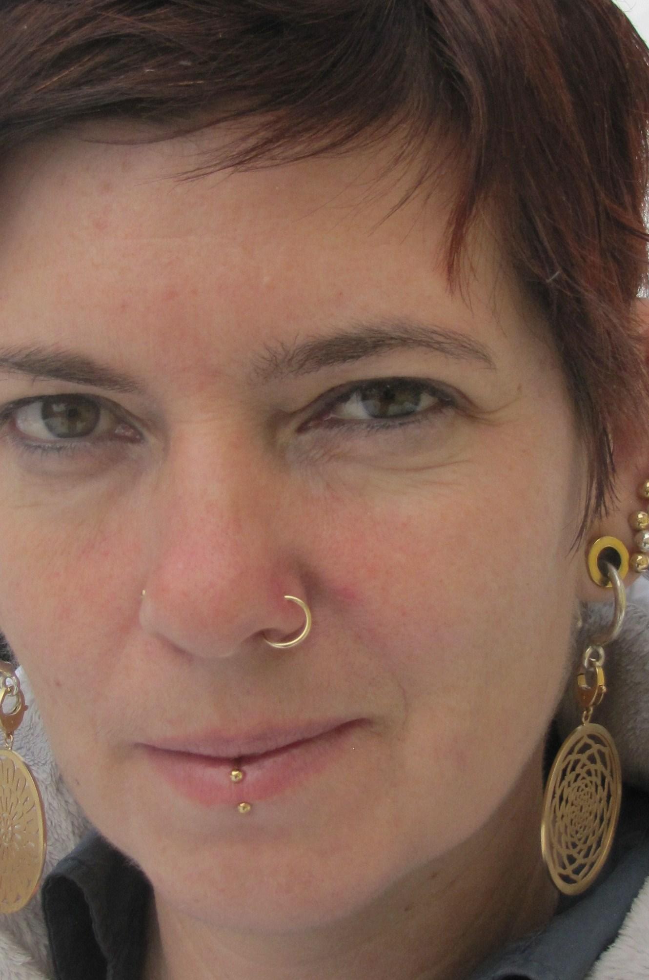 piercing retainer nase